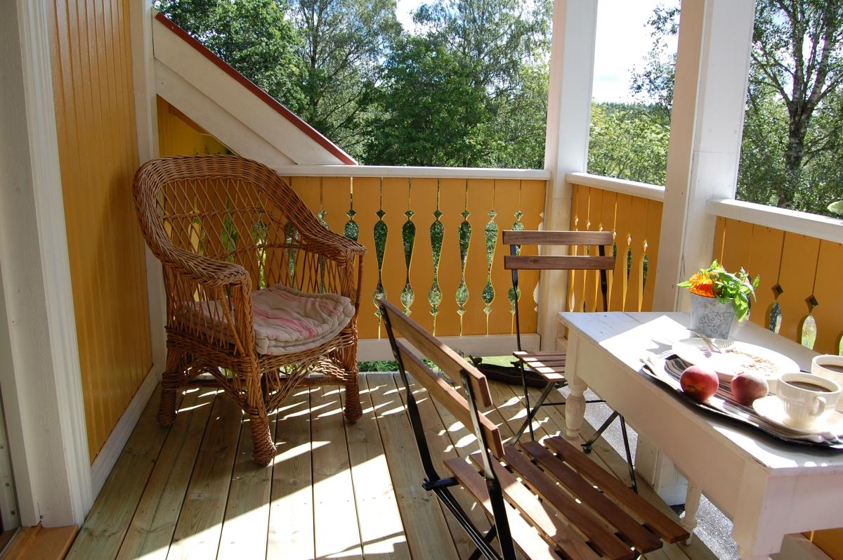 Veranda på sveitserhus: Nytt verandagulv til under tusenlappen